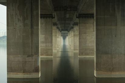 Manuel_Alvarez_Diestro_Seoul_Bridges_Its_Nice_That_12