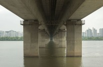 Manuel_Alvarez_Diestro_Seoul_Bridges_Its_Nice_That_7