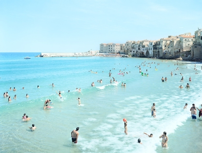 Massimo-Vitali_-Cefalu-First-Surf_-photgraph_-2008_-courtesy-of-the-artist-and-Benrubi-GalleryINT